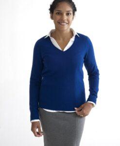 Blå pullover med v-ringad hals i 100% kashmir