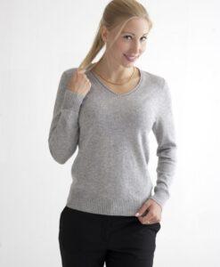 Grå pullover med v-ringad hals i 100% kashmir