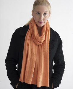 Orange kabelstickad halsduk i silke och kashmir