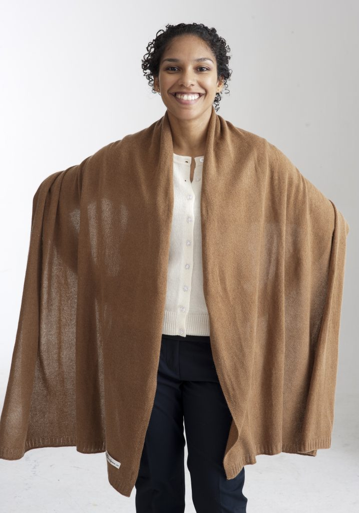 Beige sjal eller halsduk i silke och kashmir. 11037cd1ffce3