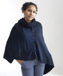 Blå poncho i silke och cashmere