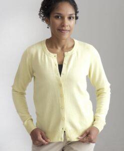Ljust gul kofta med rund hals i silke och kashmir